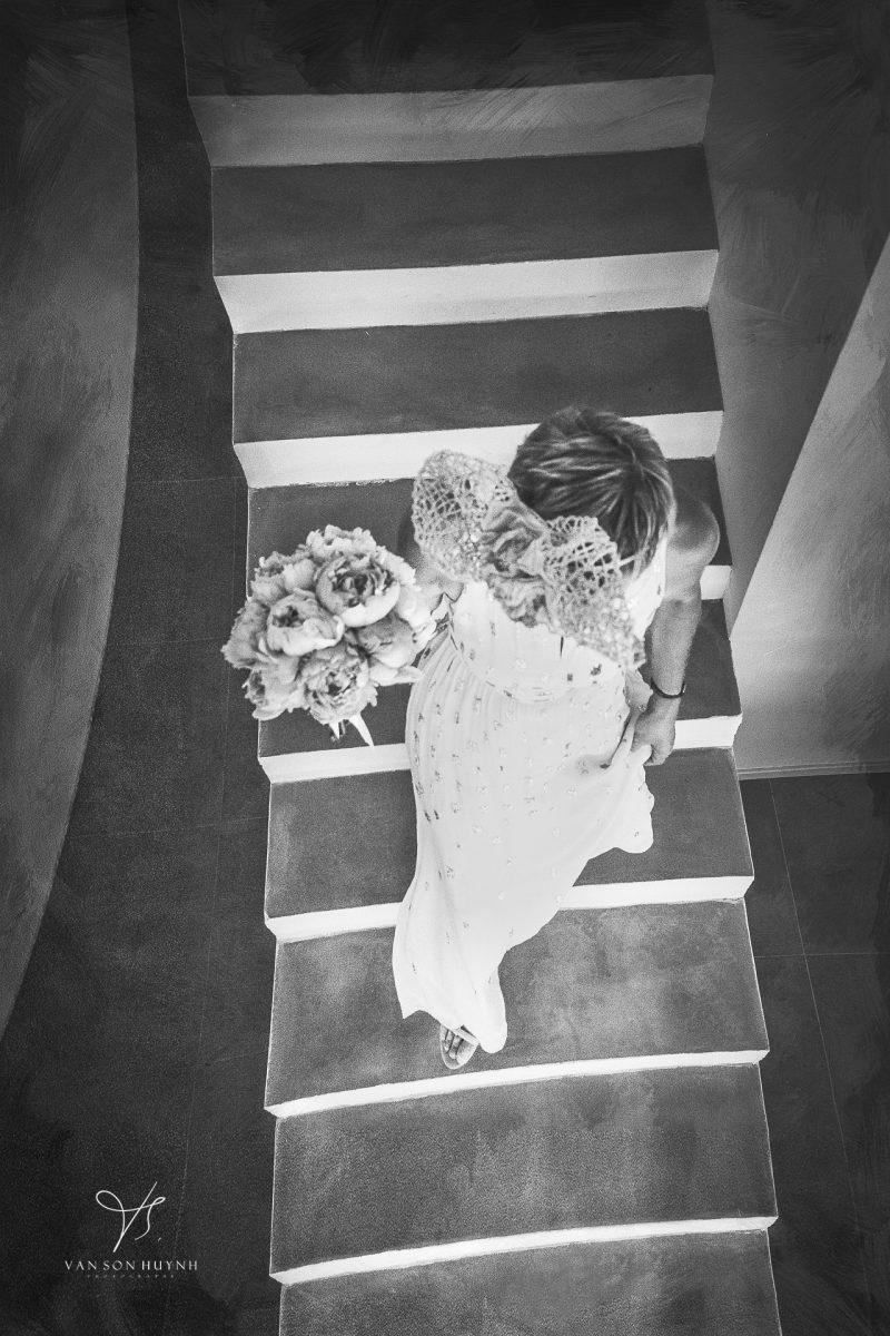 La Photo De La Mariée Dans Lescalier à Avignon 1