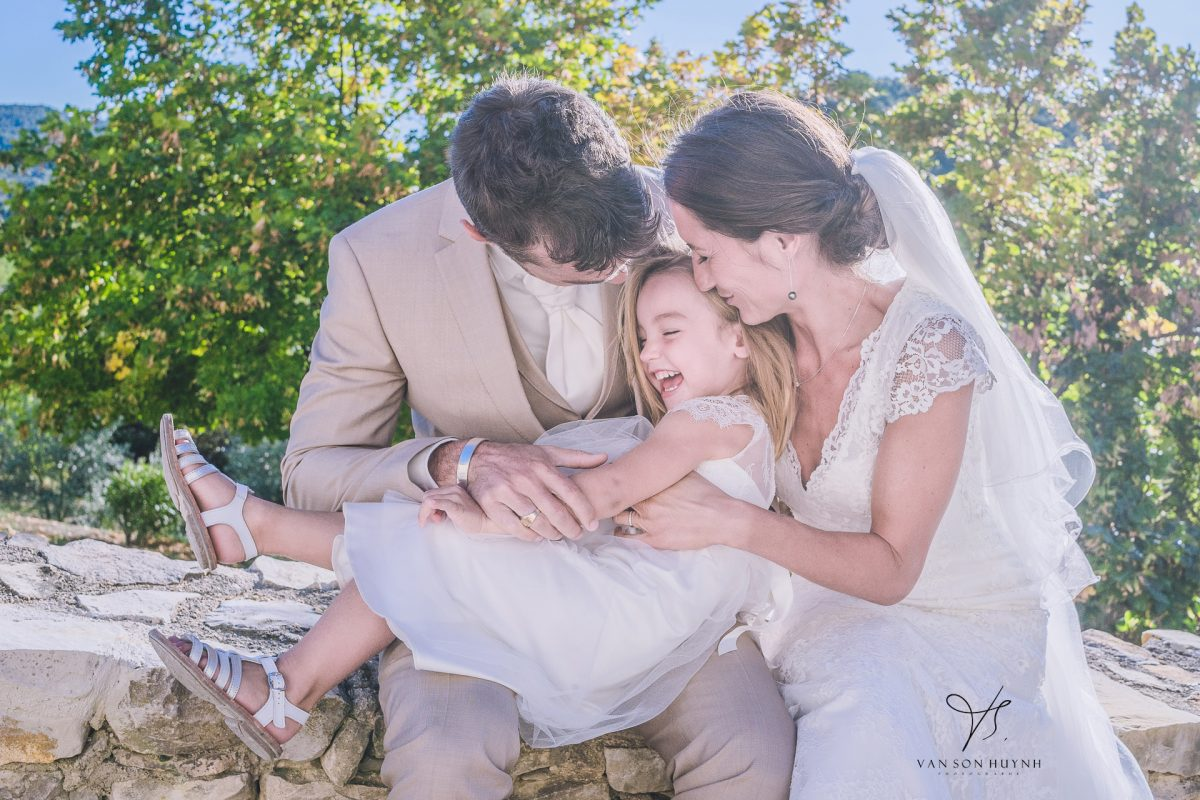 Photographie De Famille Lors Du Mariage Sur Avignon